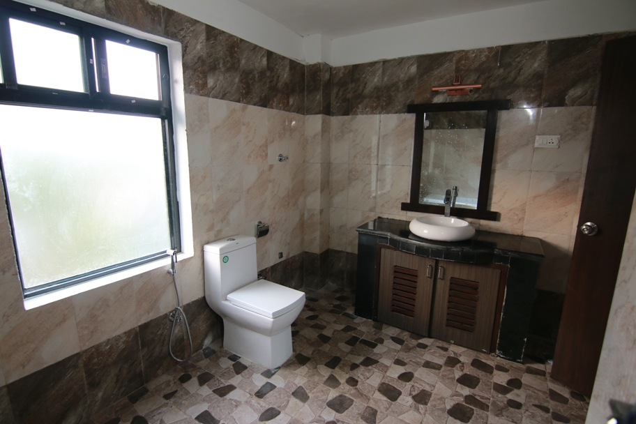 Bathroom Sunrise Deluxe