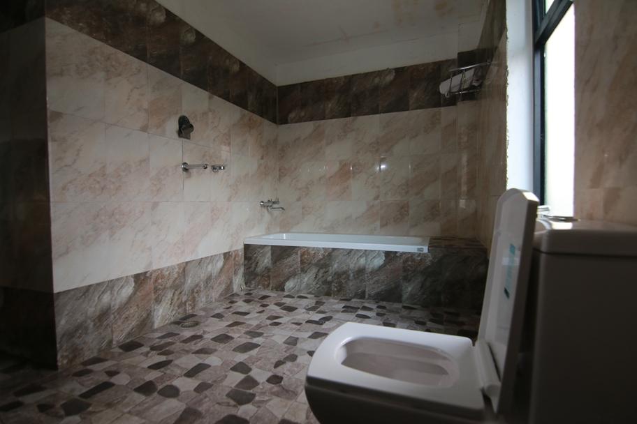 Bathroom Super Deluxe